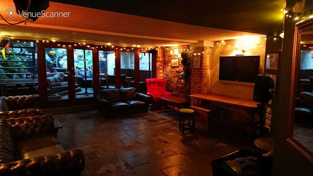 Hire The Golden Guinea Function Room