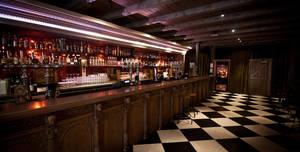 Ghillie Dhu, Main bar