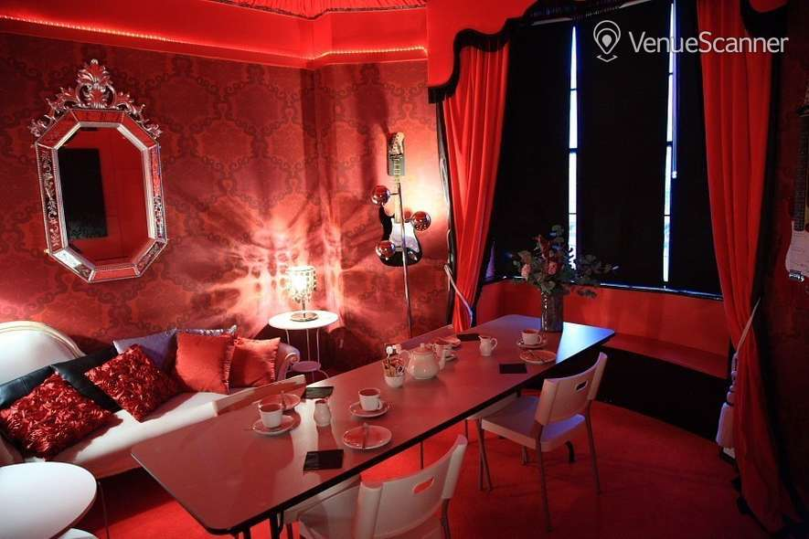 Hire Hotel Pelirocco The Lounge 3