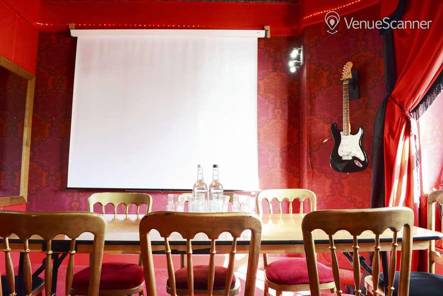 Hire Hotel Pelirocco The Lounge 5