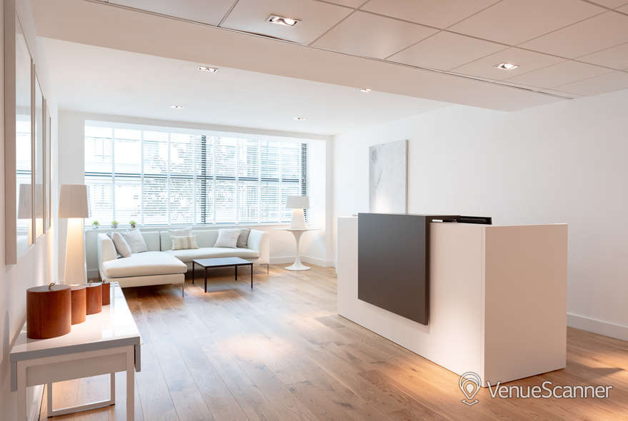Hire Target Space Holborn 14 Person Meeting Room 2