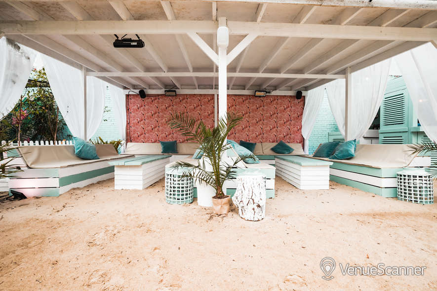 Hire Neverland London Fulham Beach 8