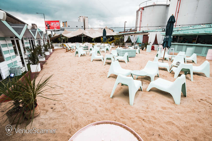 Hire Neverland London Fulham Beach 2