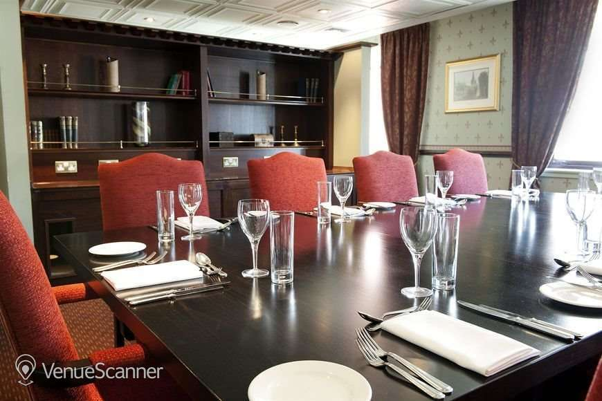 Hire Carlton George Hotel Thomson Suite