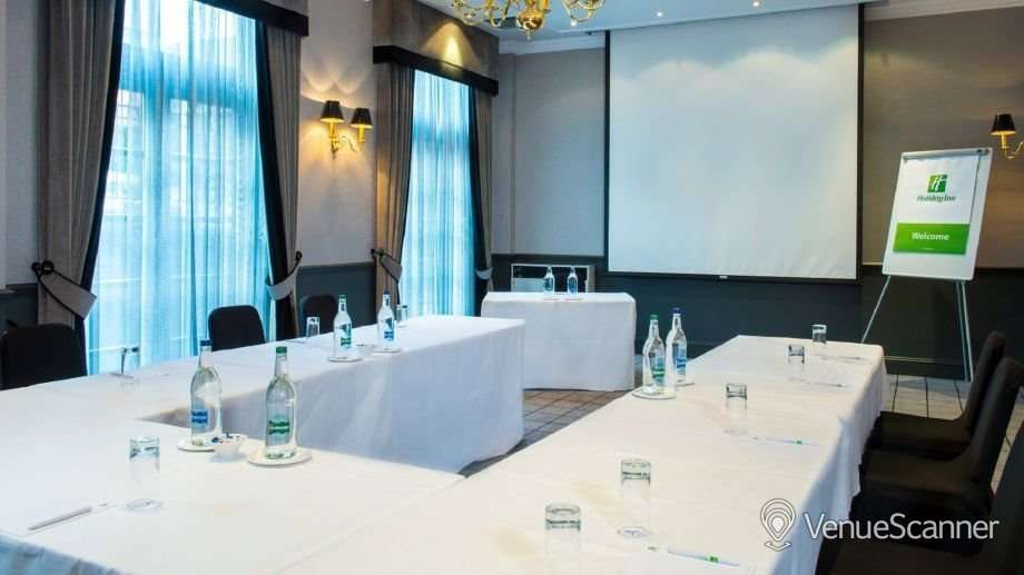 Hire Holiday Inn Theatreland - Glasgow Pigalle 6
