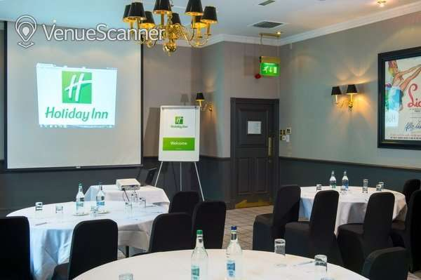 Hire Holiday Inn Theatreland - Glasgow Pigalle 2