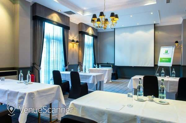 Hire Holiday Inn Theatreland - Glasgow Pigalle 3