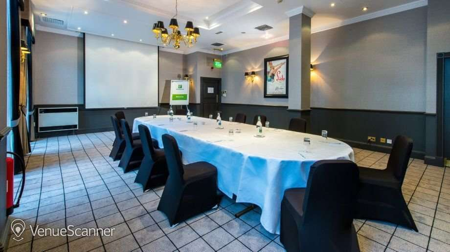 Hire Holiday Inn Theatreland - Glasgow Pigalle 4