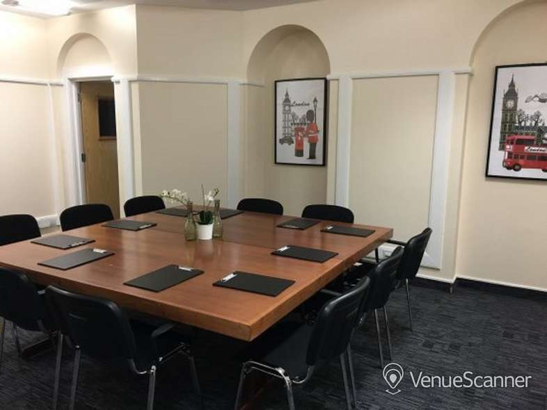 Hire GCCS- The London Room Perfectly located and generously proportioned 6