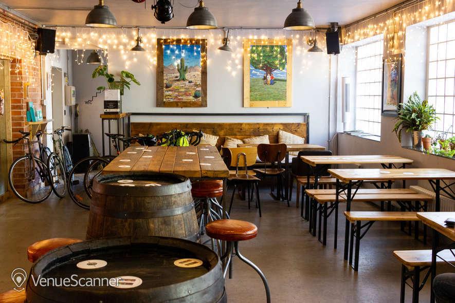 Hire Mondo Brewing Company Tap House 4
