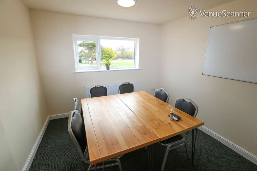 Hire The Cream Rooms Meeting Room 2