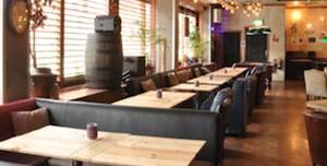 The Shack Bar & Grill, Full Venue