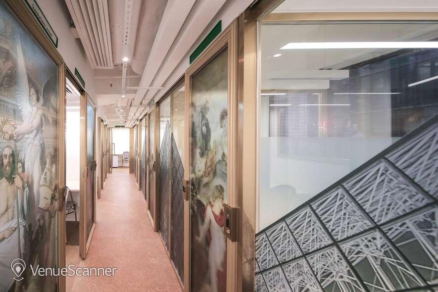 Hire Metropolitan Workspace Dedicated Desk 4