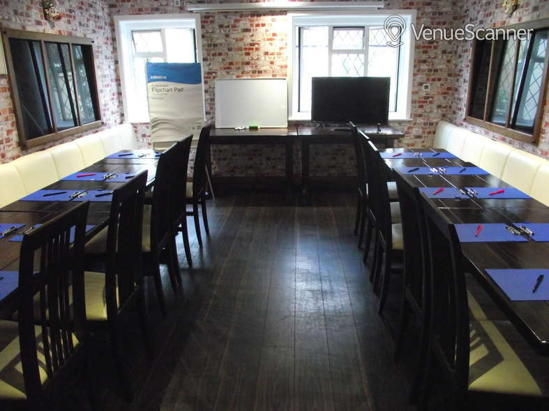 Hire Great Nepalese Restaurant Room 1 6