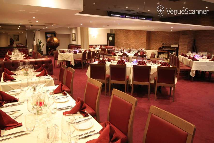 Hire Gatti's Italian Dining Whole Venue 6