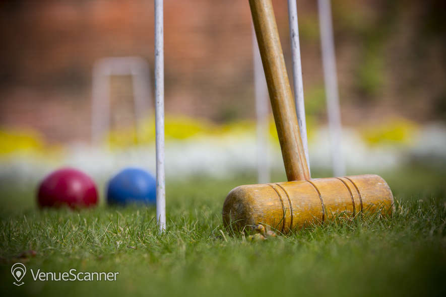 Hire New Place Hotel - Hampshire Croquet Lawn 3