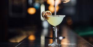 Robinsons Bar, Lounge