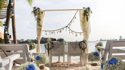 Coastes, Weddings