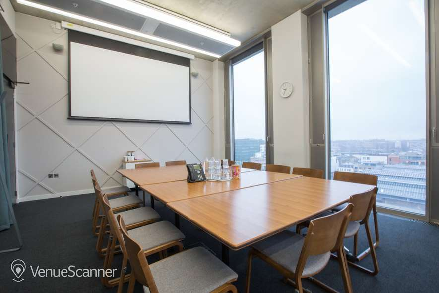 Hire The Office Group Gridiron Meeting Room 6