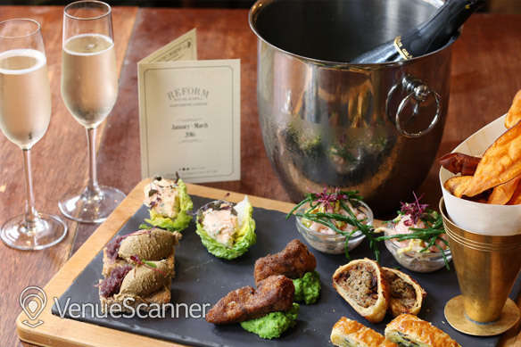 Hire The Mandeville Hotel Reform Social and Grill 4