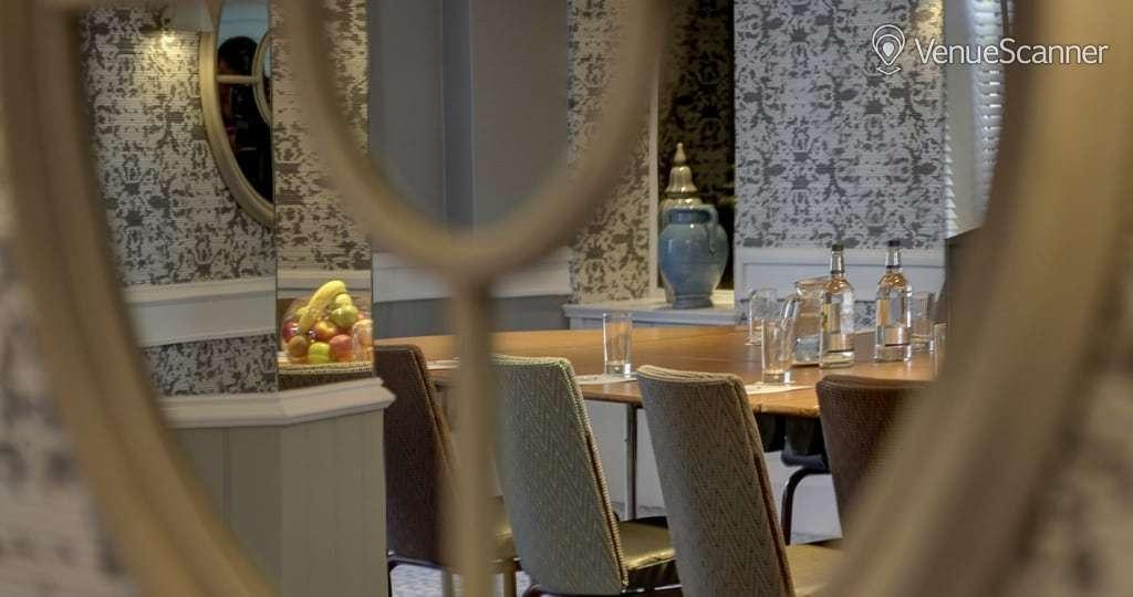 Hire Bruntsfield Hotel Cardoon Suite 2
