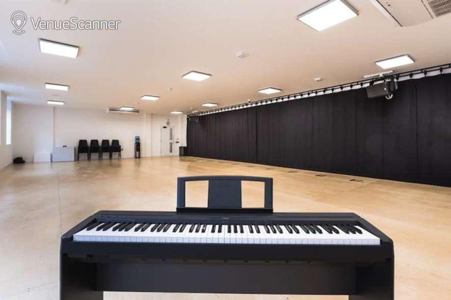 Hire Glasshill Studios Studio 1 2