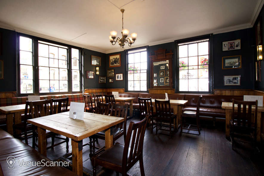 Hire Kings Arms Oxford Front Bar Area