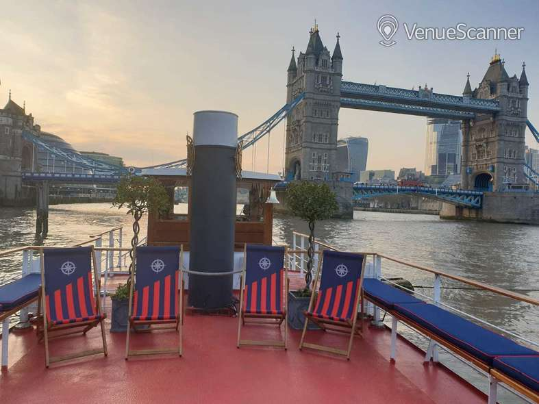 Hire Thames Luxury Charters Edwardian 5