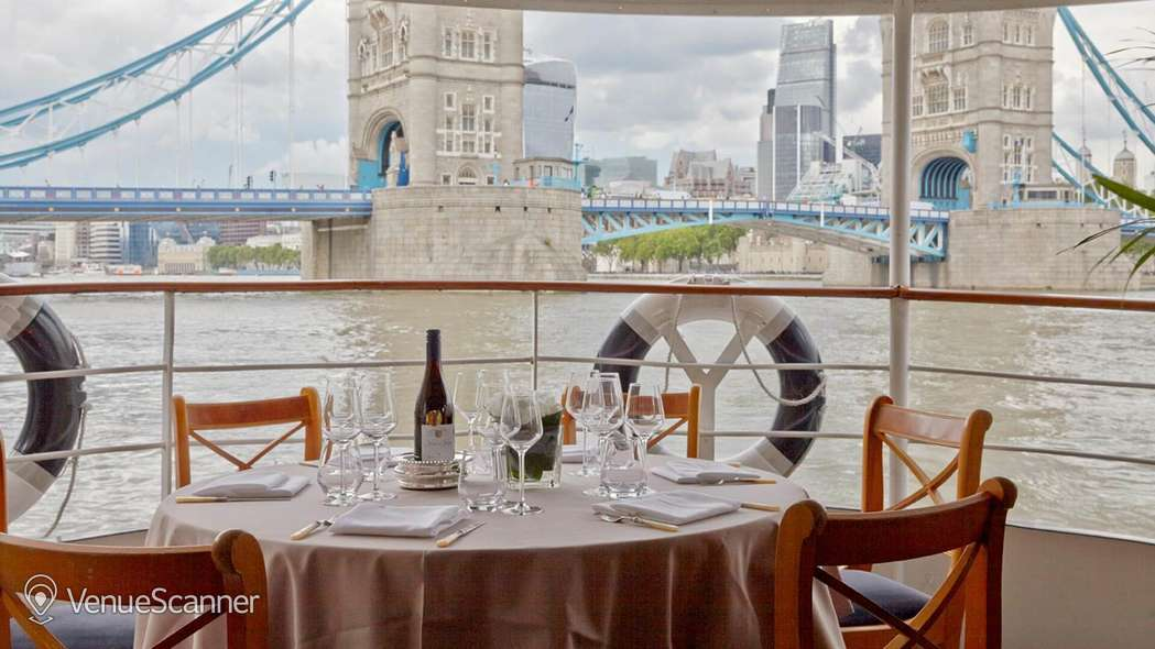 Hire Thames Luxury Charters Edwardian 3
