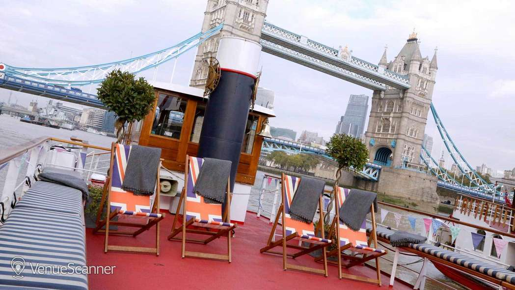 Hire Thames Luxury Charters Edwardian 4