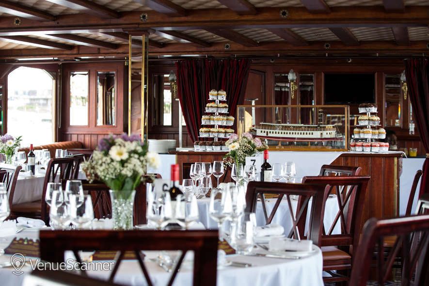 Hire Thames Luxury Charters Elizabethan 1