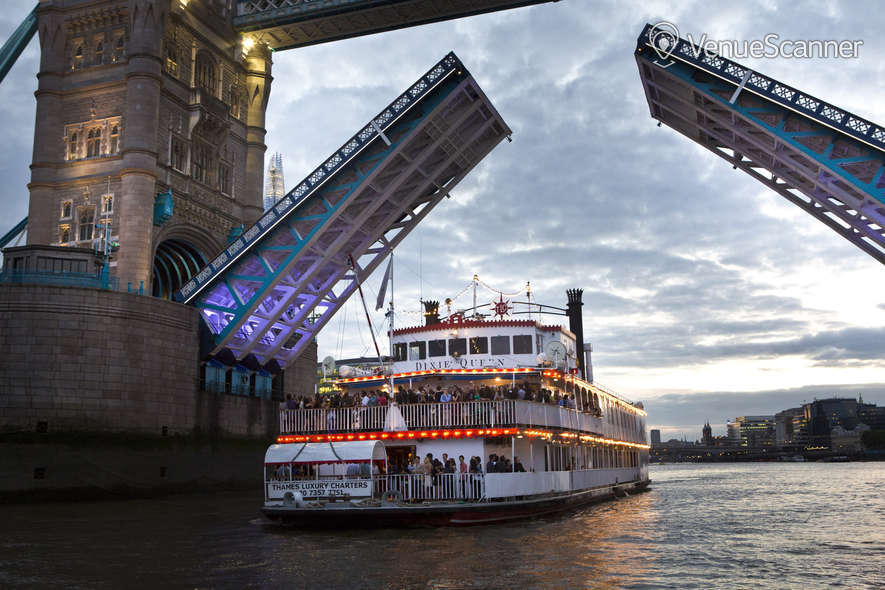 Hire Thames Luxury Charters Edwardian 9
