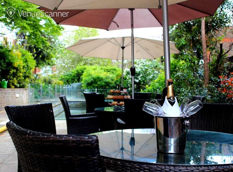 Hire Holiday Inn London - Kensington High Street Garden 2