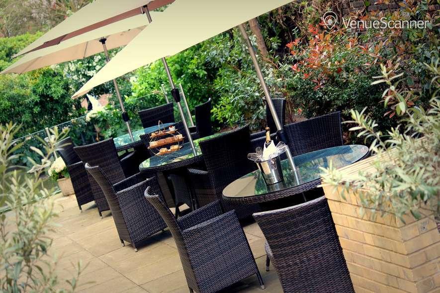 Hire Holiday Inn London - Kensington High Street Garden 1