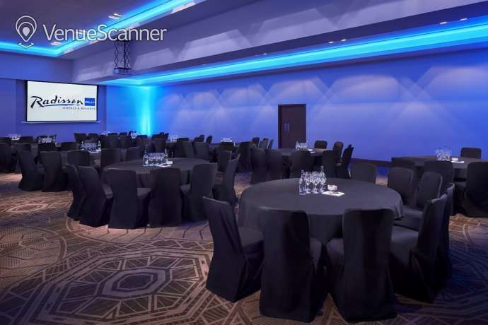 Hire Radisson Blu Hotel Glasgow 9