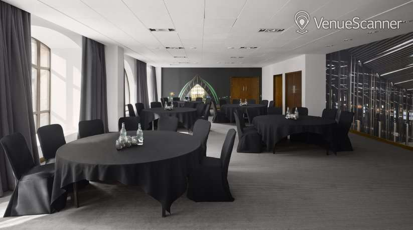 Hire Radisson Blu Hotel Glasgow 19