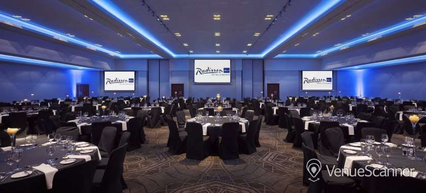 Hire Radisson Blu Hotel Glasgow 17