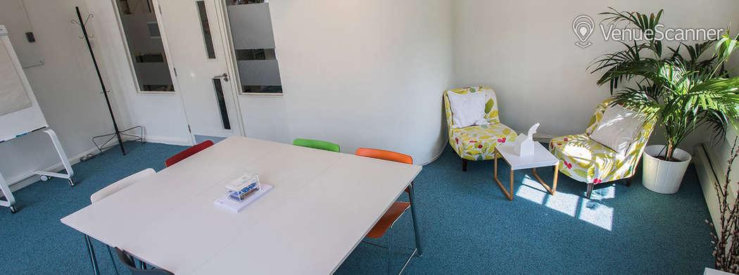 Hire Wallacespace St Pancras Corner Room