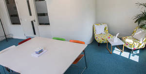 Wallacespace St Pancras, Corner Room