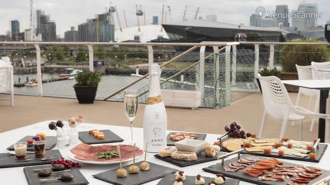 Hire Good Hotel London Rooftop Bar 3