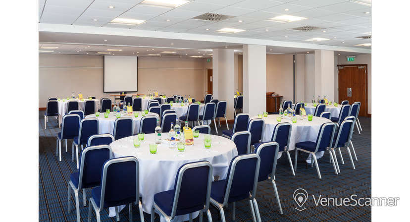 Hire Holiday Inn Cardiff City Centre Exclusive Hire 7
