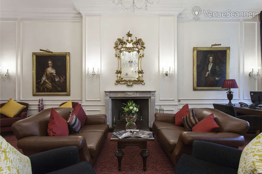 Hire Thistle Hyde Park Writing Room 4