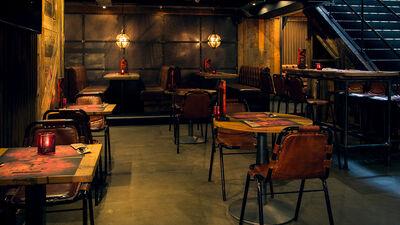 Dive NQ, The Hangout Area