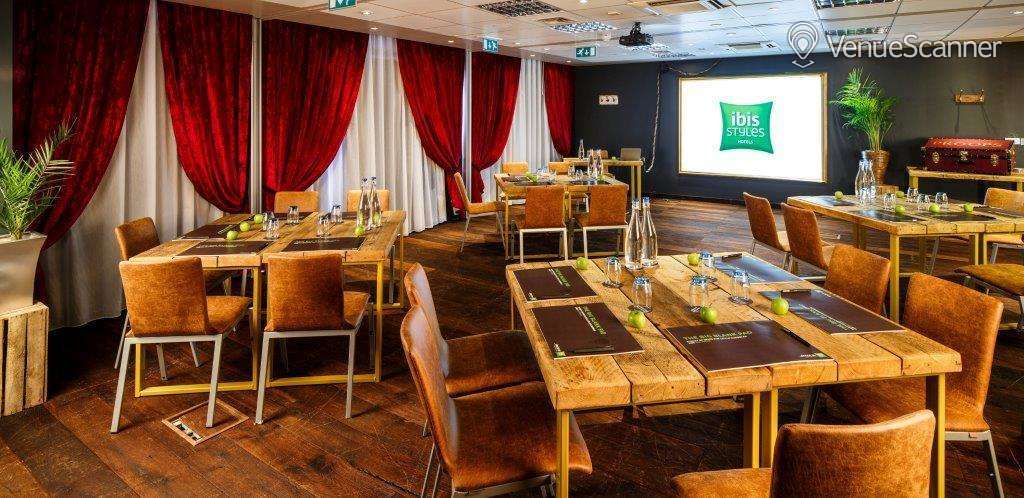 Hire Ibis Styles Southwark, Near Borough Market The Playhouse Room