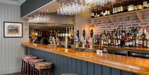 The Victoria, Bar