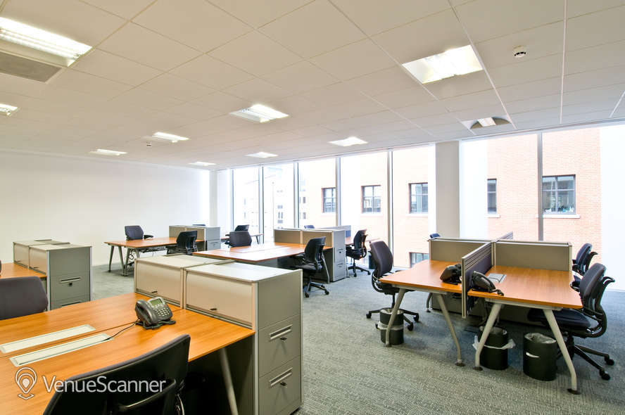 Hire Regus Reading Forbury Square Aintree