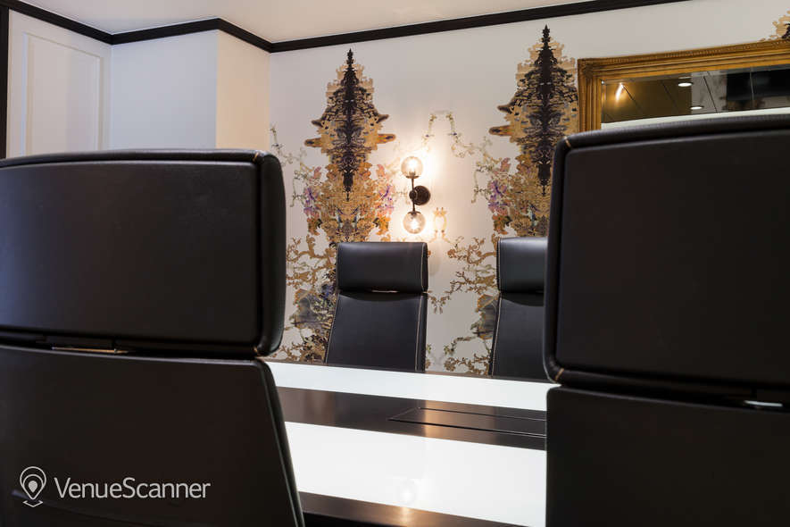 Hire Office Space In Town - Mayfair Champagne Club 2