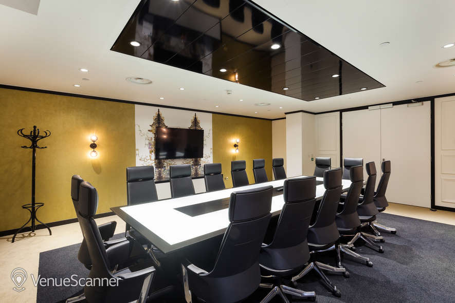Hire Office Space In Town - Mayfair Champagne Club 1