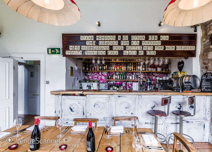 Hire  No.4 Clifton Village The Galley 11