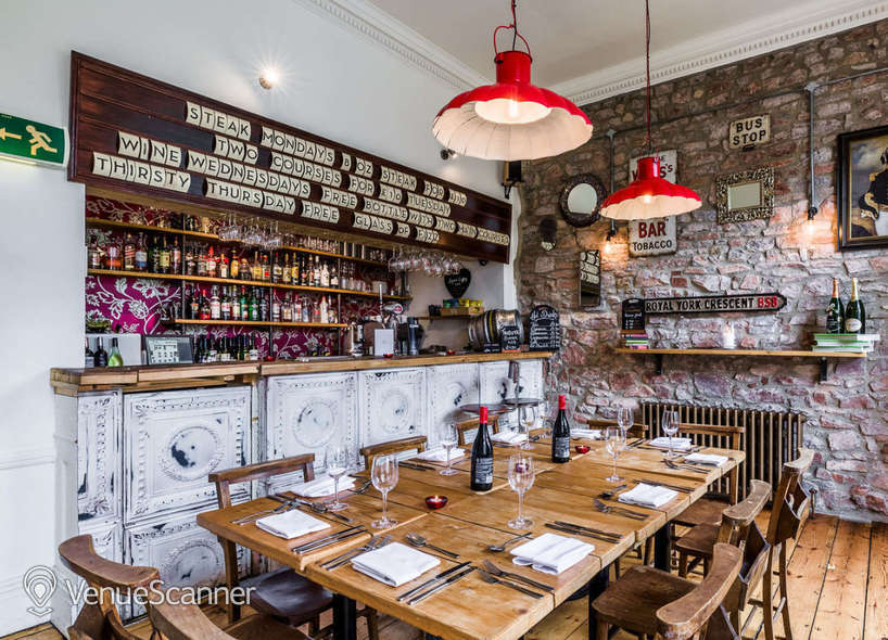 Hire  No.4 Clifton Village The Galley 1
